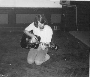 Peter op gitaar (76)